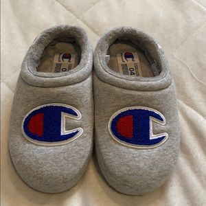 NEW kids Champion slippers. Size 4.